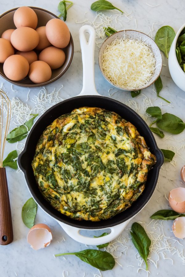 Baked Eggs with Spinach | Brunch ideas, entertaining tips, party recipes and more from @cydconverse