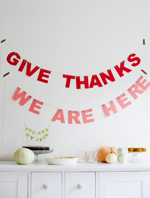 Modern Thanksgiving Decorations | Thanksgiving ideas, entertaining tips, party ideas and more from @cydconverse