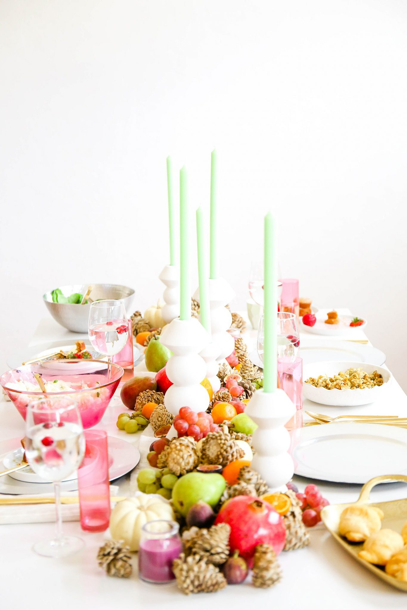 12 Beautiful Modern Thanksgiving Decorations - The Sweetest Occasion