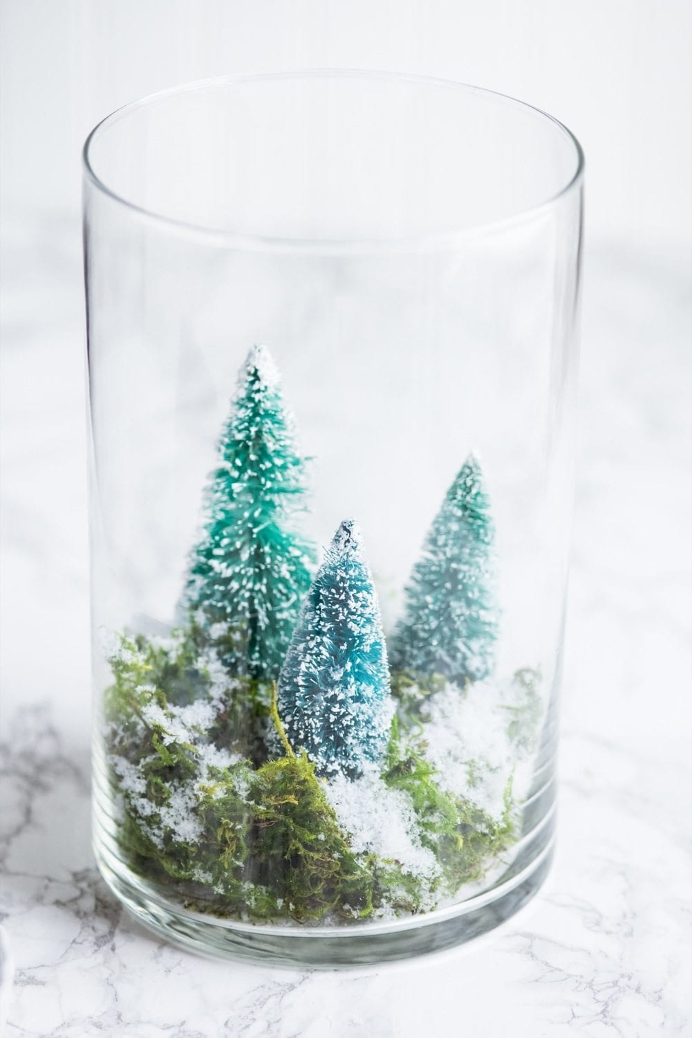 DIY Terrarium Winter Scene | Christmas DIY ideas, homemade Christmas decorations and more from @cydconverse