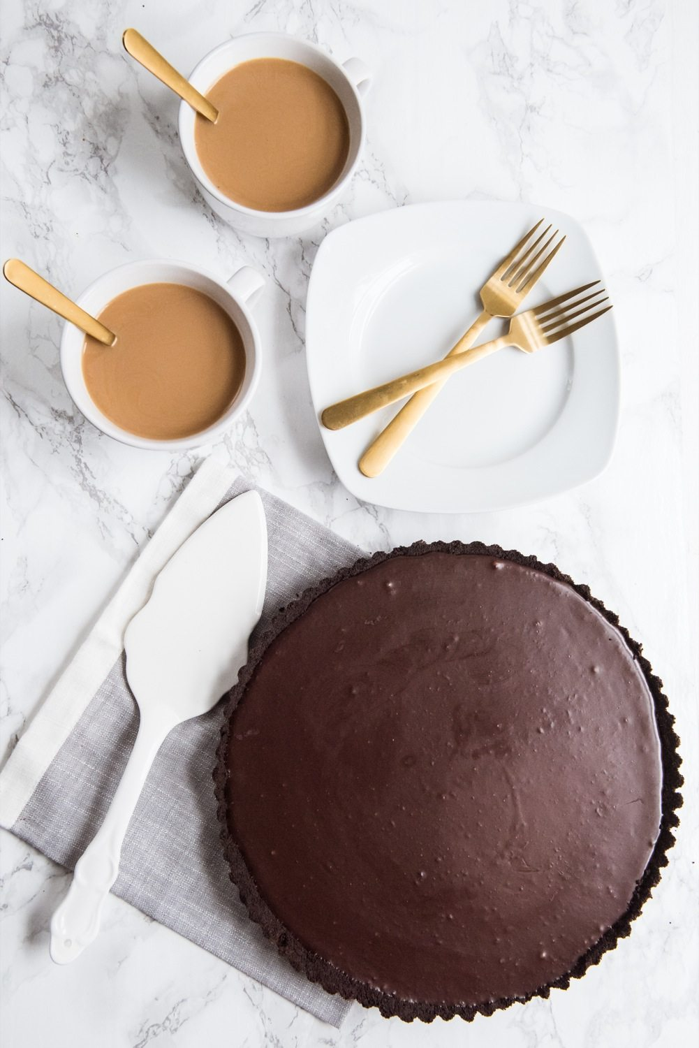 An Easy Chocolate Tart Recipe | Christmas desserts, Christmas recipes, and Christmas party ideas from @cydconverse
