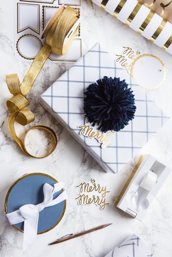 My Christmas Wrapping Theme | Gift wrapping ideas, Christmas decor ideas and more from @cydconverse