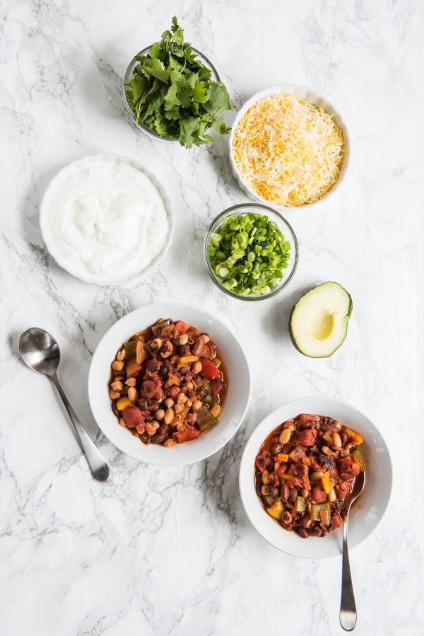 Best Vegan Chili Recipe | Vegetarian chili, Super Bowl recipes, party ideas, entertaining tips and more from @cydconverse