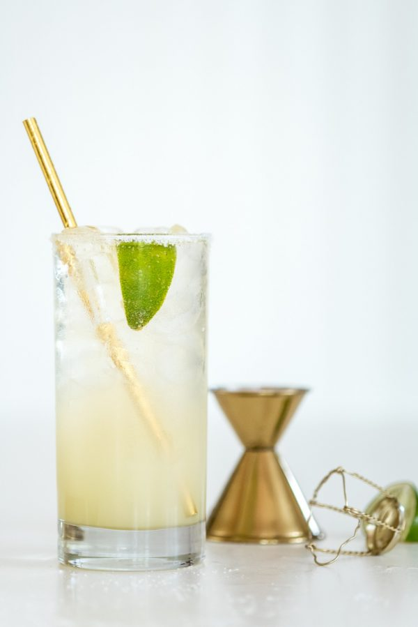 Sparkling Margarita Recipe | Cocktail recipes, party themes and entertaining tips from @cydconverse