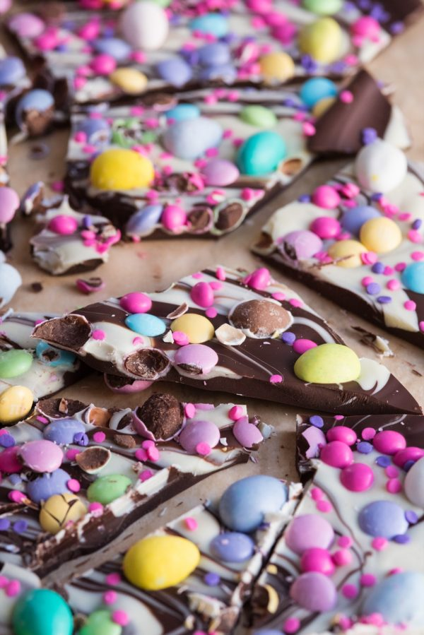 Easter Candy Bark | Easter ideas, Easter recipes, Easter brunch ideas, Easter crafts and more from @cydconverse