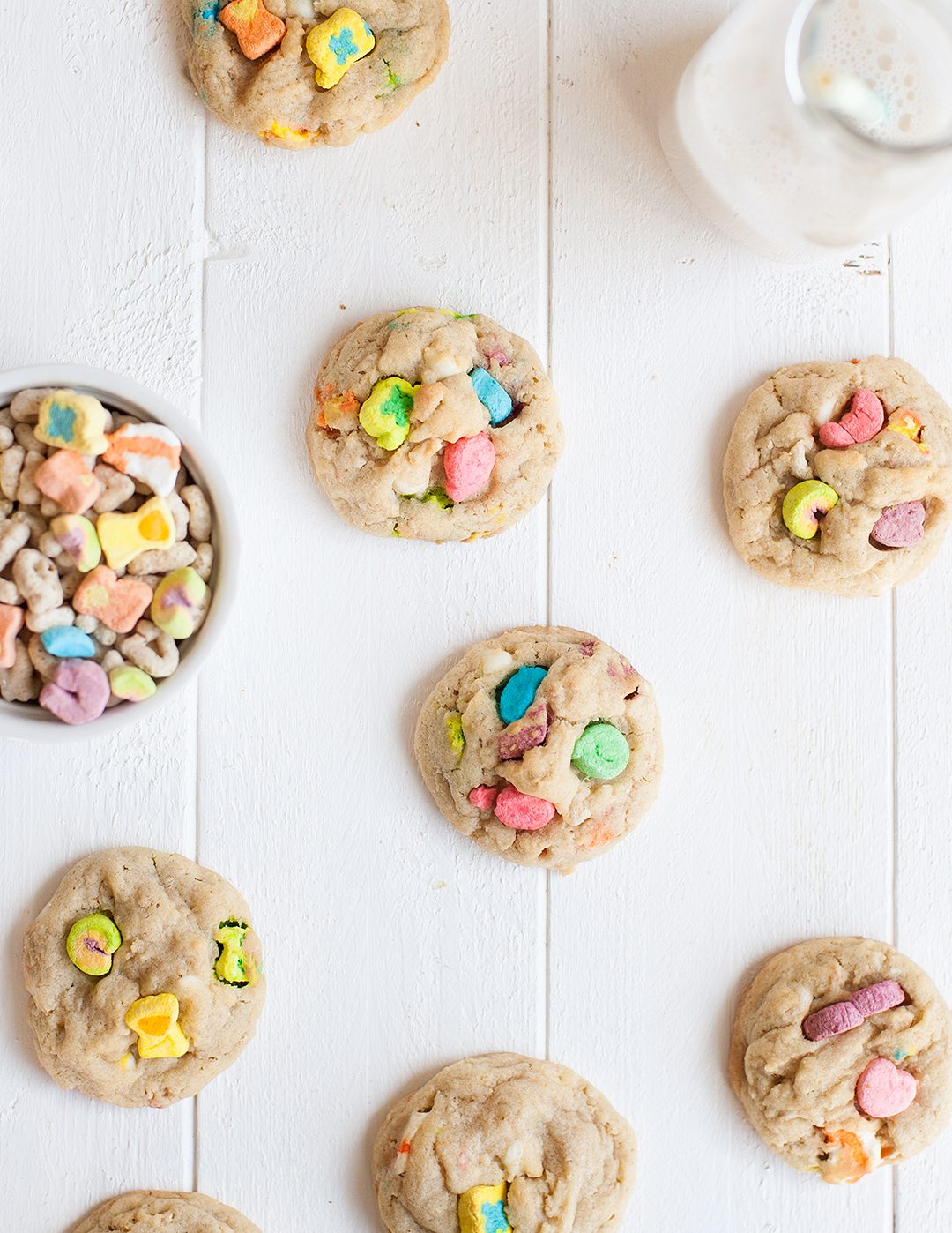 Lucky Charms Cookies | Lucky Charms recipes, St. Patrick's Day dessert, St. Patrick's Day ideas and more from @cydconverse