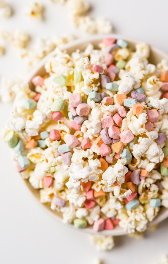 Lucky Charms Popcorn | Lucky Charms recipes, St. Patrick's Day dessert, St. Patrick's Day ideas and more from @cydconverse