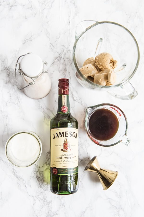 Boozy Irish Coffee Milkshake | St. Patrick's Day cocktails, St Patrick's Day desserts, St. Patrick's Day recipes, Irish coffee recipe and more from @cydconverse