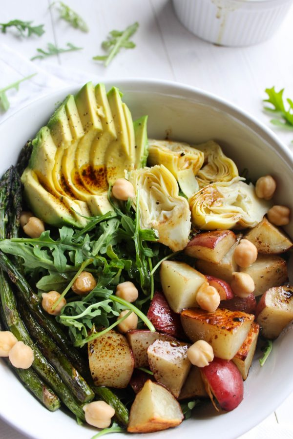 Balsamic Spring Vegetable Salad   Friday night dinner ideas, easy dinner recipes, weeknight dinner ideas and more from @cydconverse