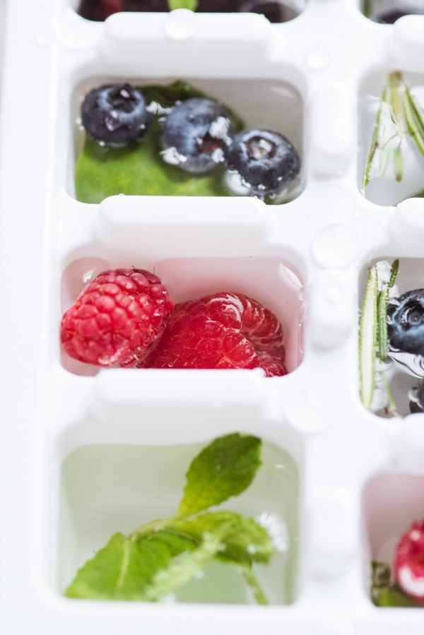 How to Make Berry and Herb Ice Cubes | Entertaining ideas, party recipes, cocktail recipes and more from @cydconverse