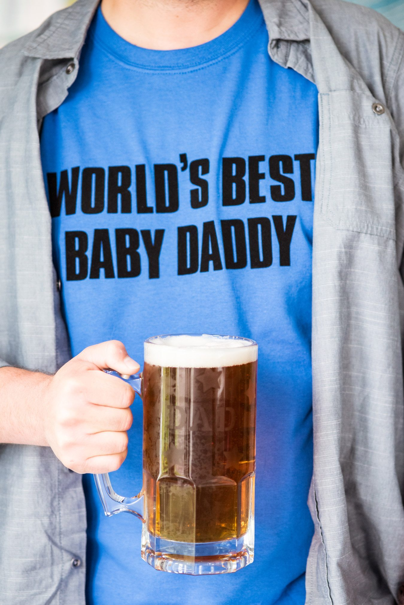 DIY Graphic Father's Day Shirts | Homemade gift ideas, Father's Day ideas, Father's Day gifts and more from @cydconverse