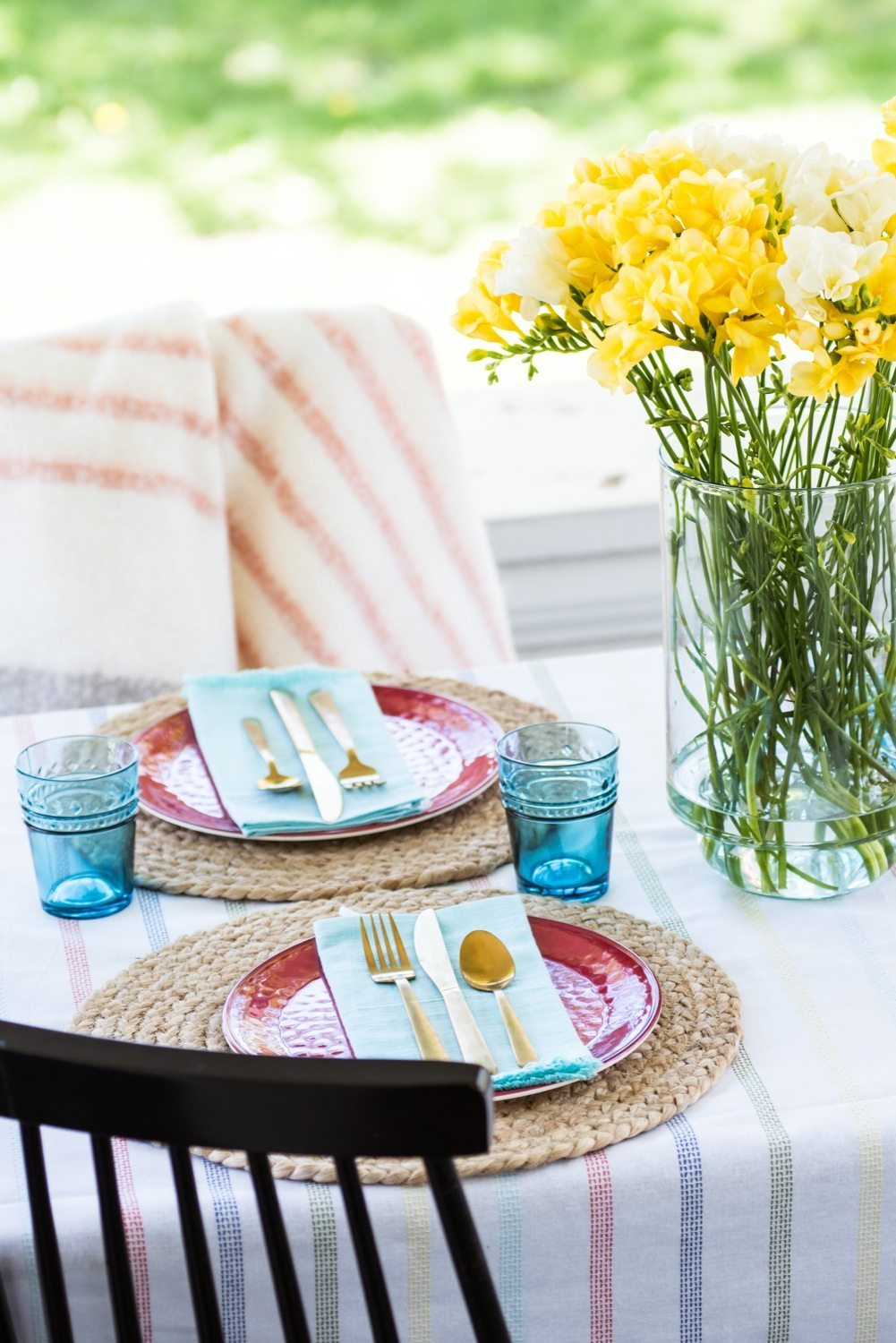 Hosting a Chic Patriotic Picnic   Entertaining ideas, party ideas, picnic ideas and more from @cydconverse