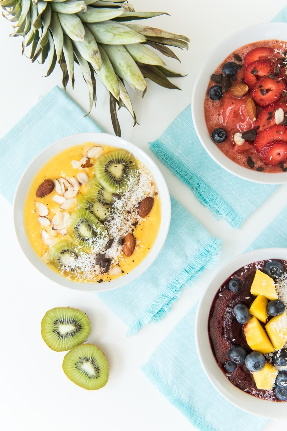 Summer Smoothie Bowl Recipe | 12 Summer Smoothies plus loads of party recipes, entertaining tips, cocktail recipes and more from @cydconverse