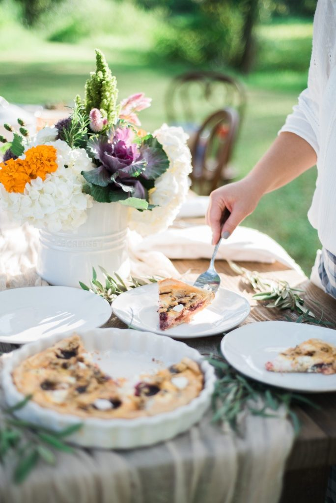 A Garden to Table Fall Dinner Party   Entertaining tips, party ideas, dinner party recipes, cocktail recipes and more from @cydconverse