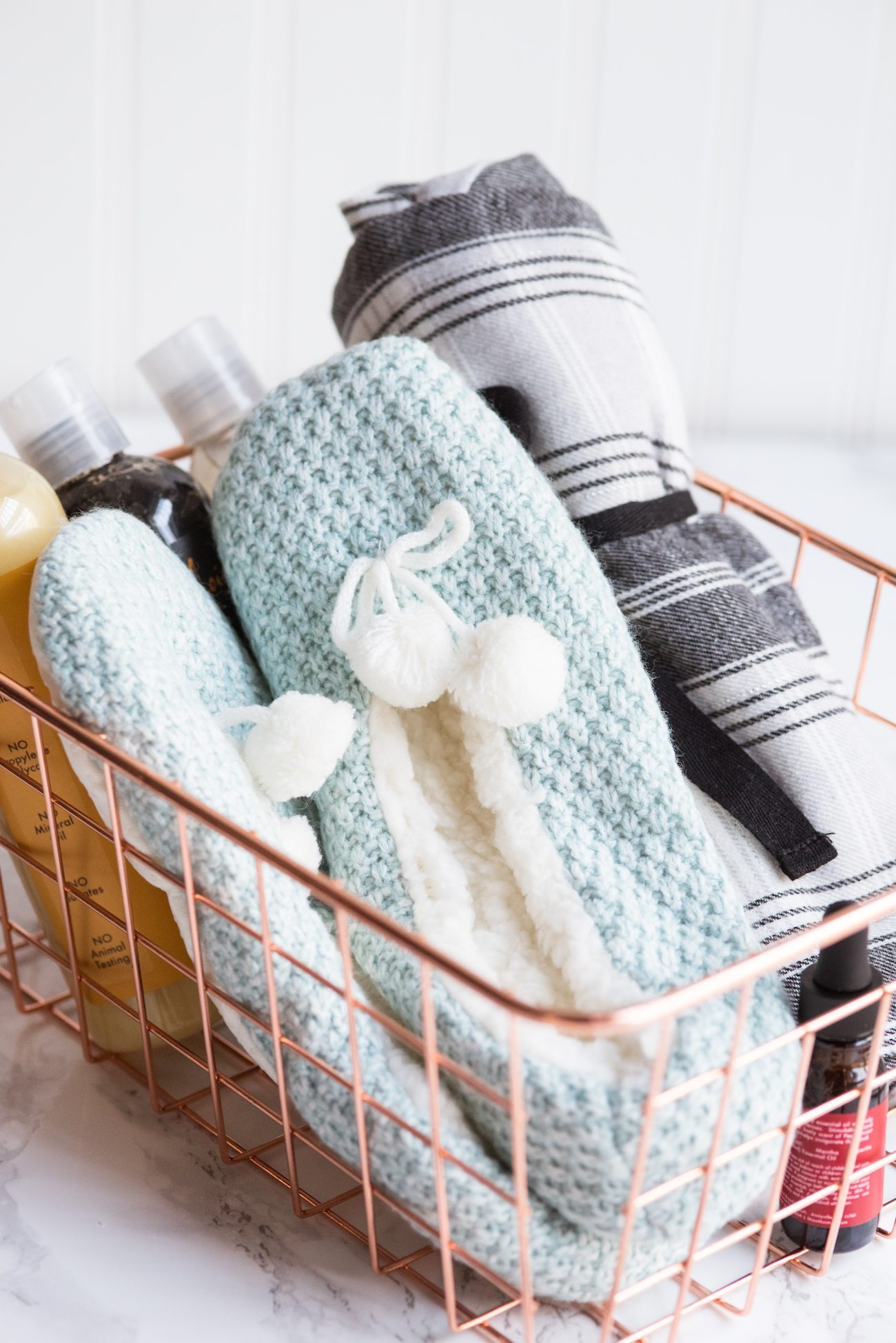 DIY Spa Gift Basket + Homemade Peppermint Foot Soak from @cydconverse