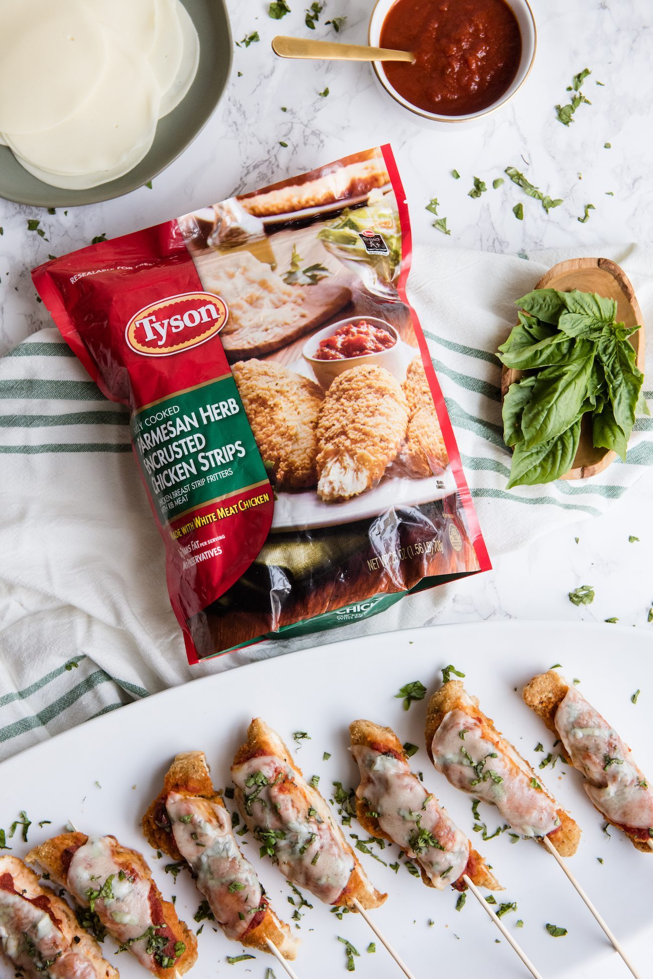 Last Minute Entertaining | Mini chicken parm on a stick from @cydconverse