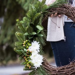 DIY Natural Winter Wreath thumbnail