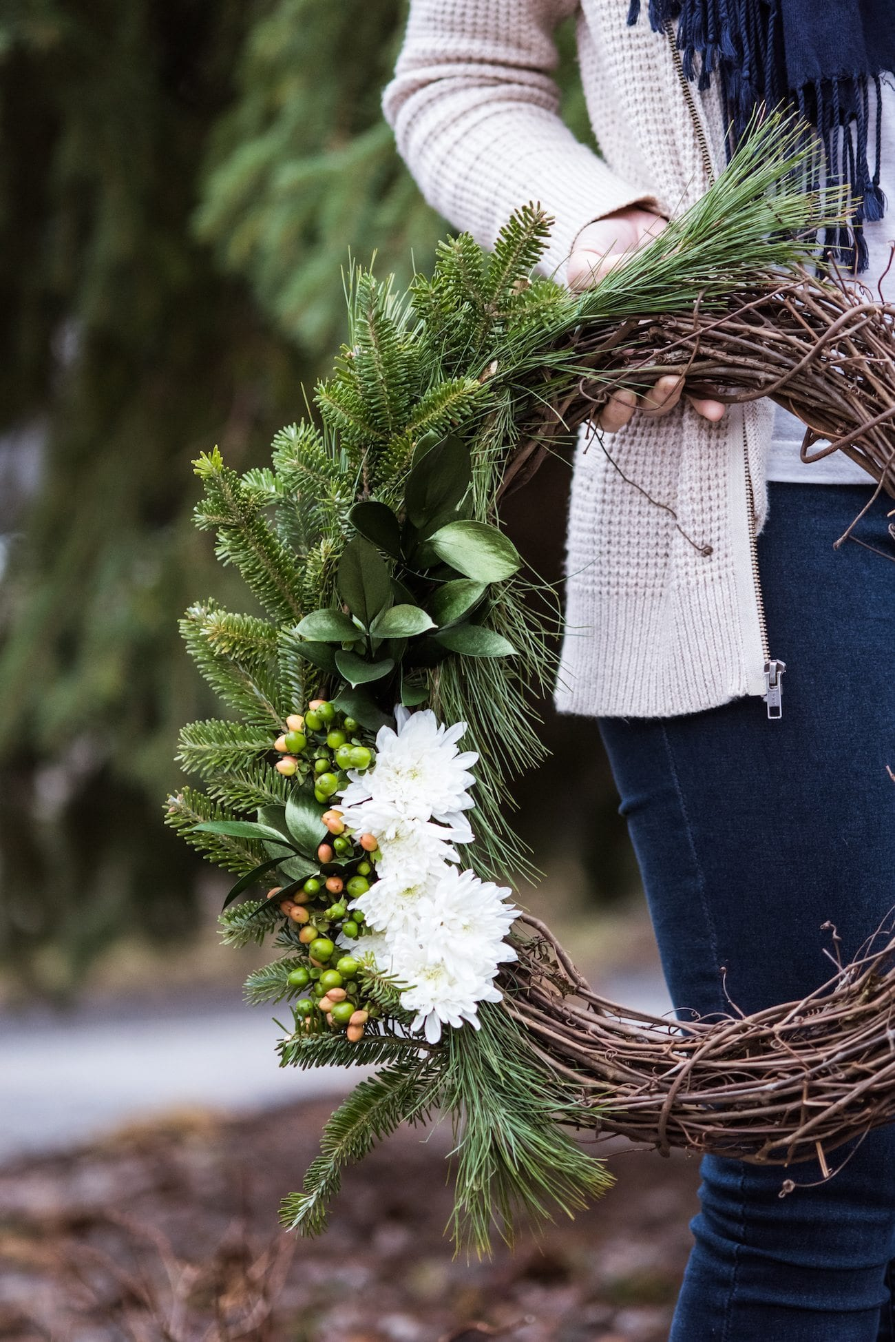 DIY Natural Winter Wreath | Homemade Christmas decor, entertaining tips, party ideas and winter decorating ideas from @cydconverse