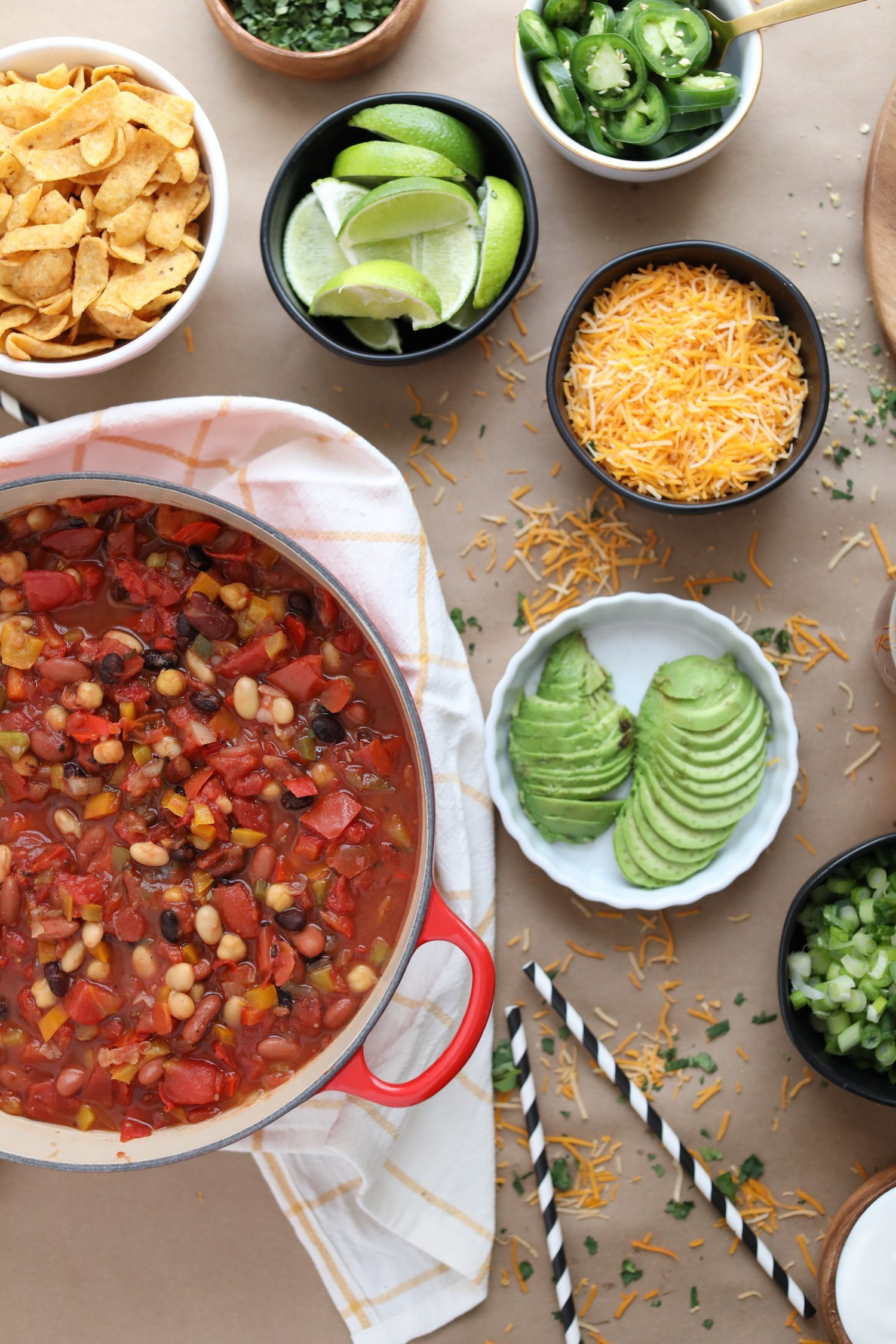 Host a Game Day Chili Cook-Off | Game Day party ideas from @cydconverse and @uber #DesignatedRider