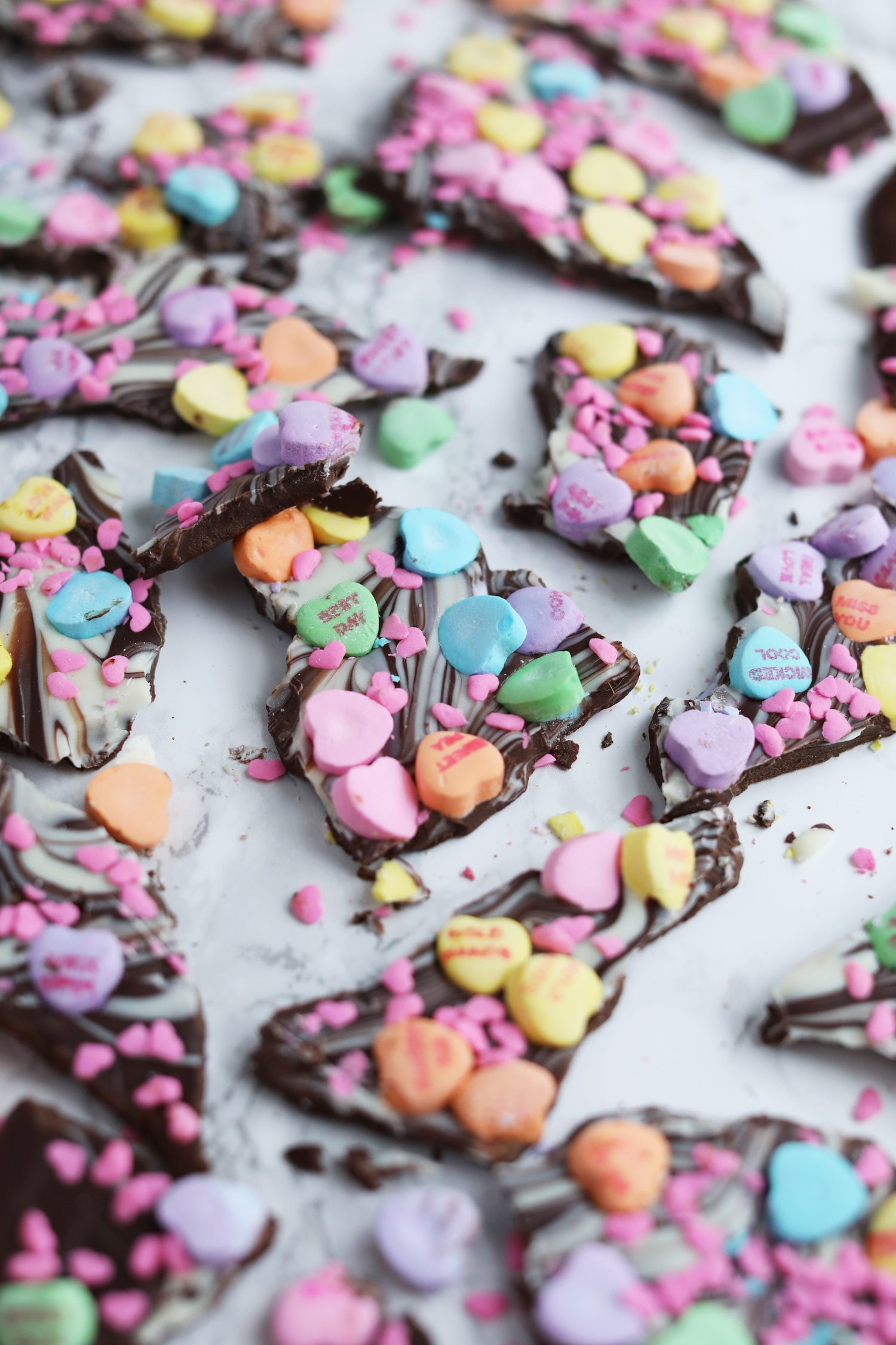 Easy Valentine's Day Gift Ideas | Valentine's Day Chocolate Bark Recipe from @cydconverse - Click through for loads of Valentine's Day DIY ideas, recipes and more!