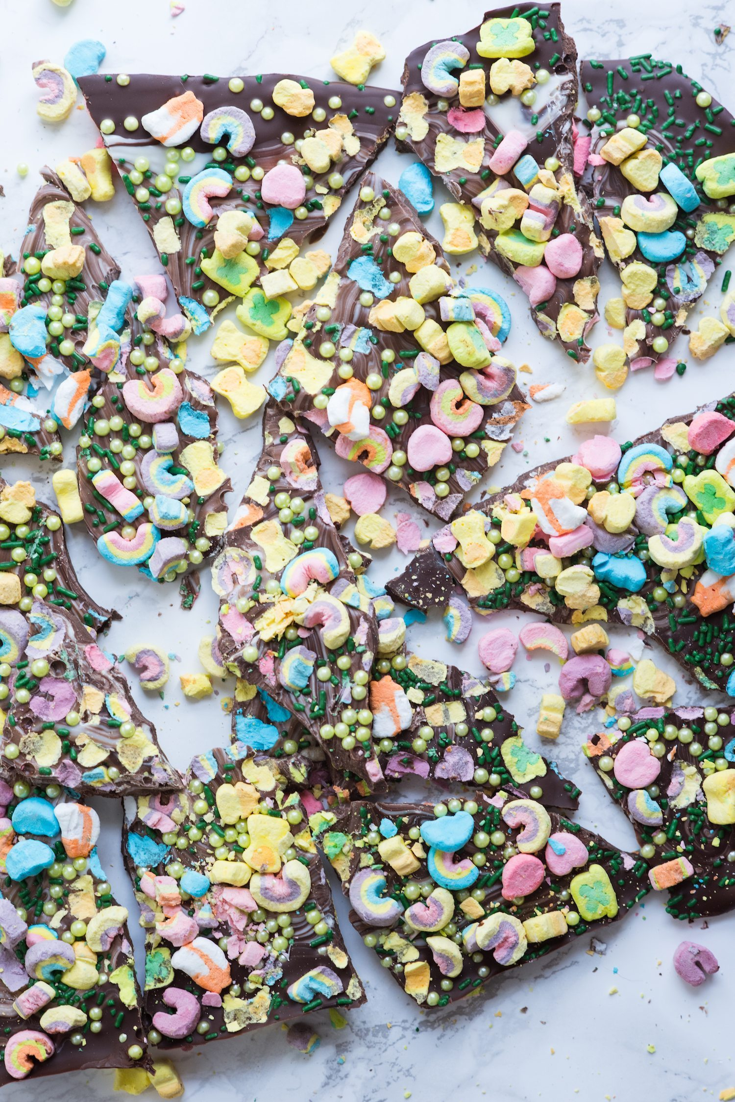 Loaded Lucky Charms St. Patrick's Day Bark | St. Patrick's Day recipes, fun St. Patrick's Day ideas for kids, entertaining ideas, party recipes and more from @cydconverse
