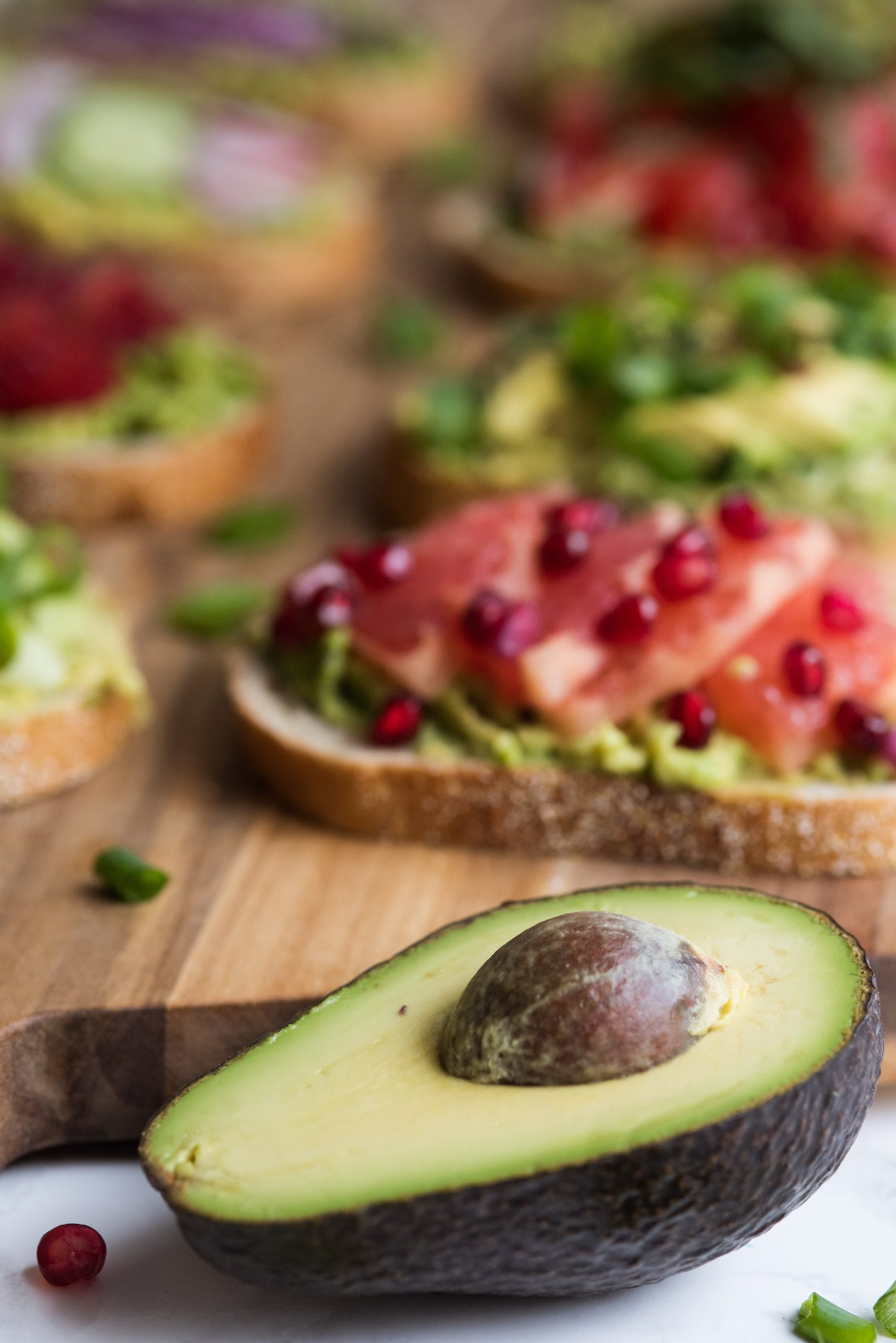 8 Awesome Ways to Make Avocado Toast | Unique avocado toast recipes, entertaining tips, party ideas and recipes from @cydconverse