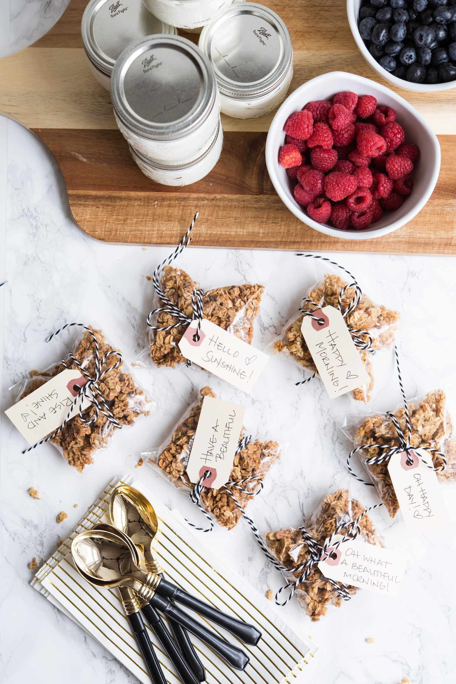 Oh What a Beautiful Morning! Granola Parfait Breakfast To-Go Jars