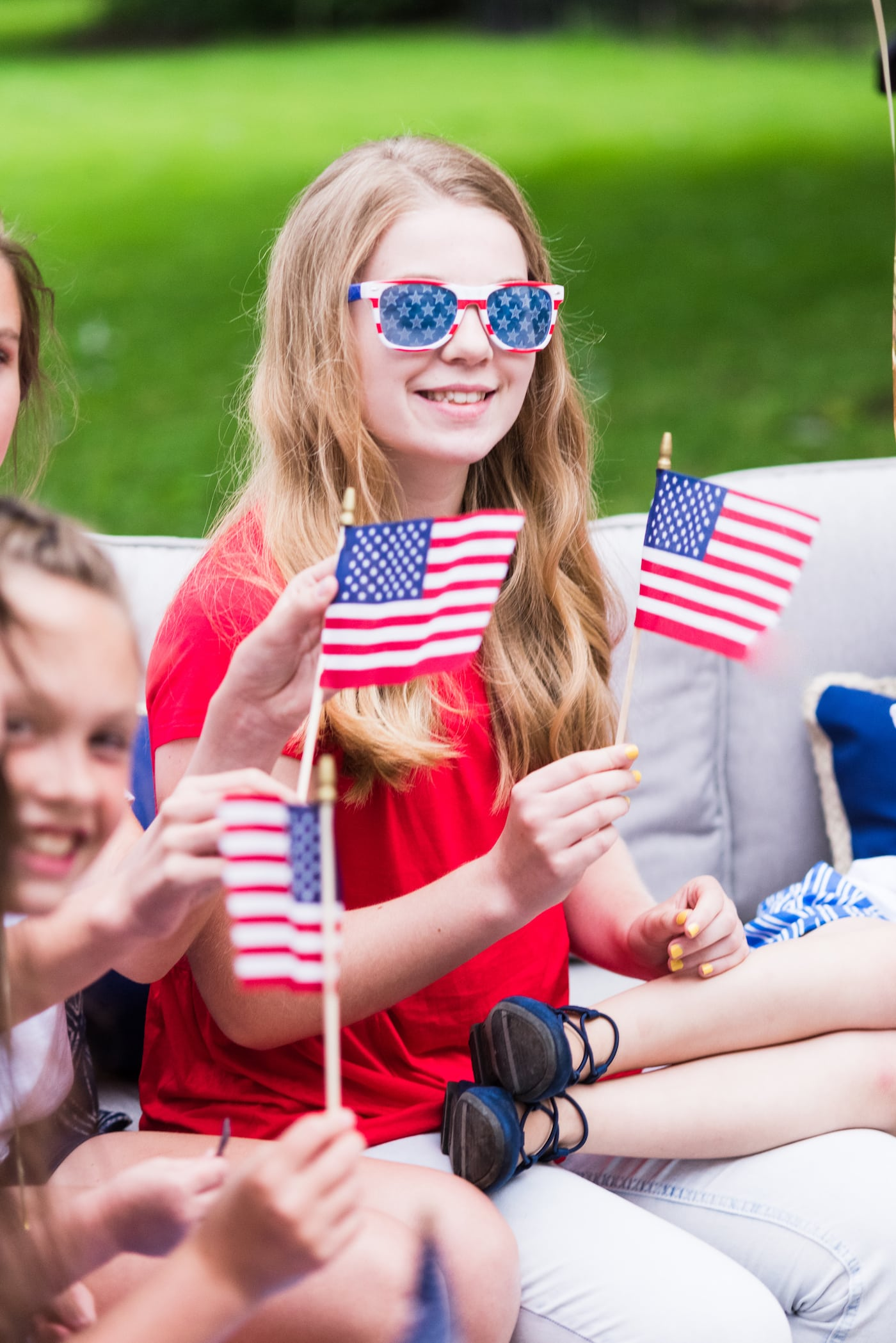 Host an Americana Inspired 4th of July Party | Get ideas for 4th of July desserts, entertaining tips, 4th of July decorations, 4th of July party ideas and more from @cydconverse
