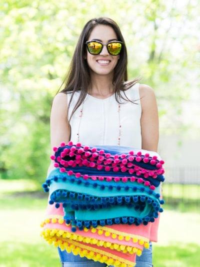 DIY No-Sew Pom Pom Pool + Picnic Blankets thumbnail