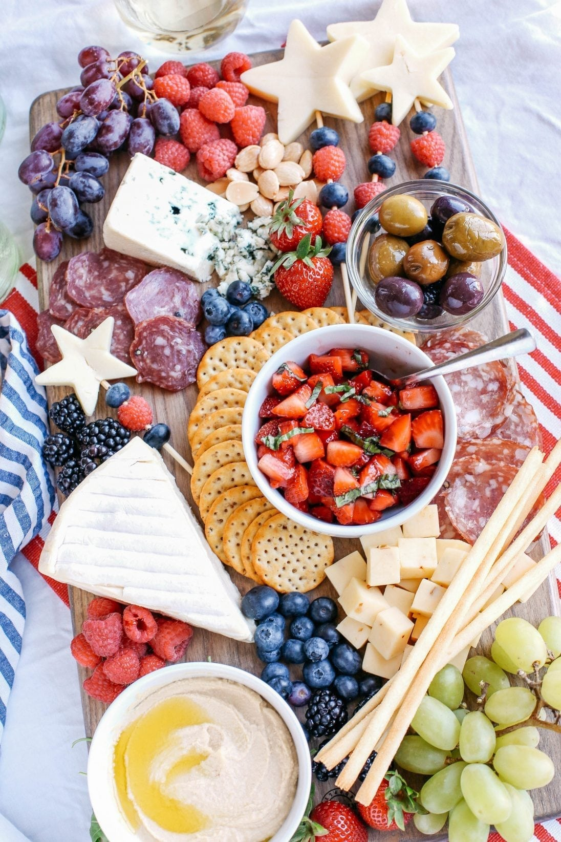 Red, White and Blue Patriotic Cheeseboard | 4th of July party ideas, 4th of July desserts and more from @cydconverse