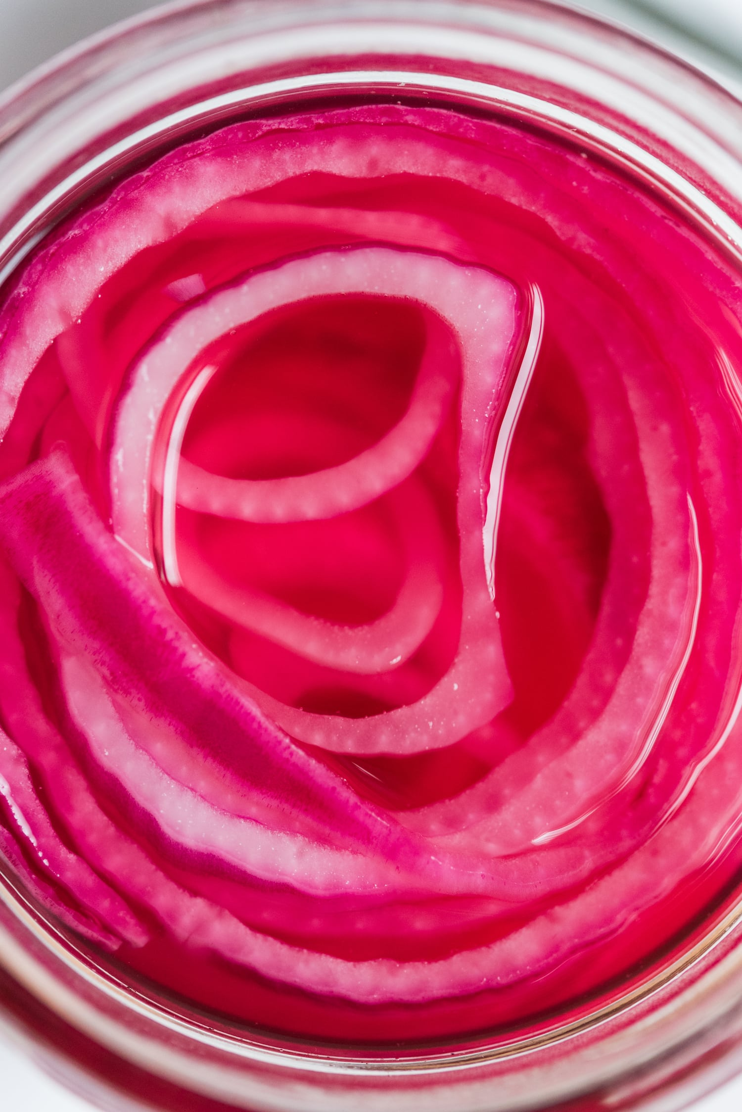 The best easy pickled red onions recipe! Visit The Sweetest Occasion for party ideas, party recipes, easy appetizer recipes and more!