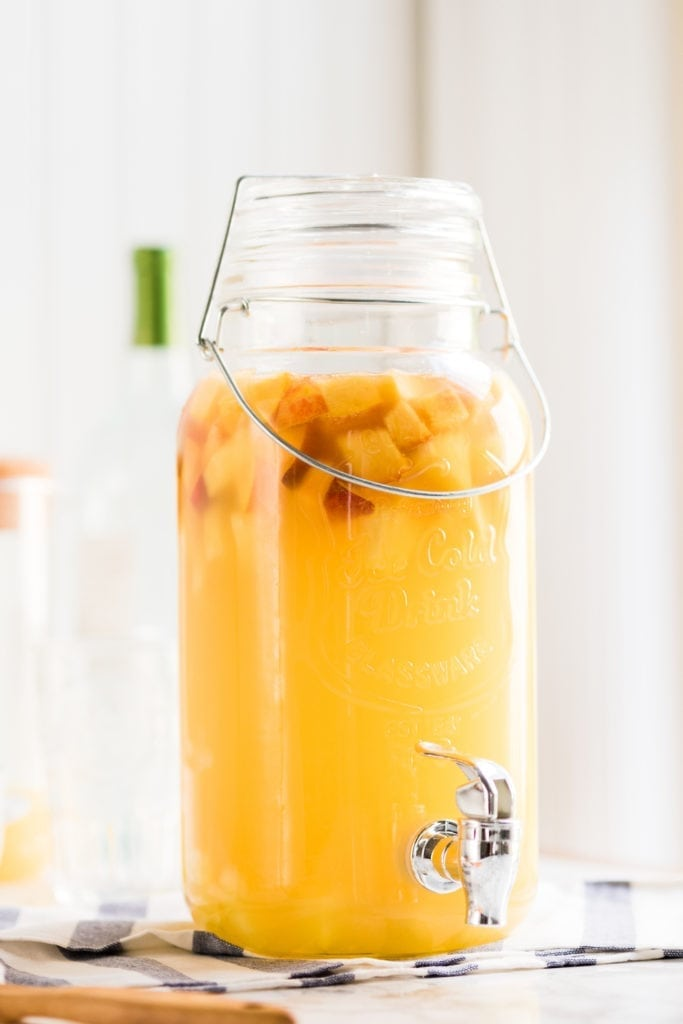 The best white sangria recipe from entertaining blog @cydconverse | Click through for entertaining tips, party ideas, party recipes and more!
