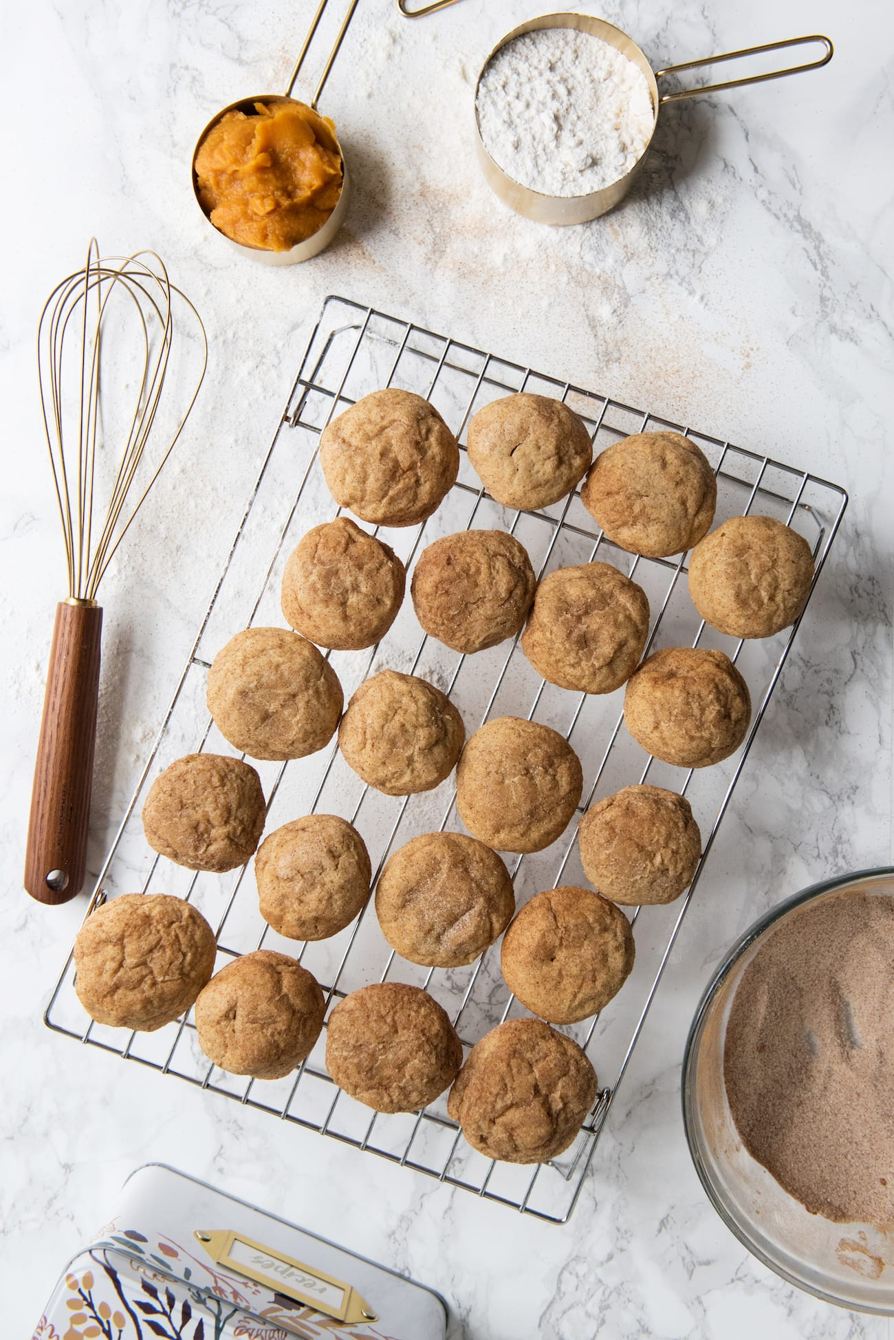 Pumpkin Snickerdoodles Recipe | Fall cookie recipes, pumpkin recipes and more from entertaining blog @cydconverse