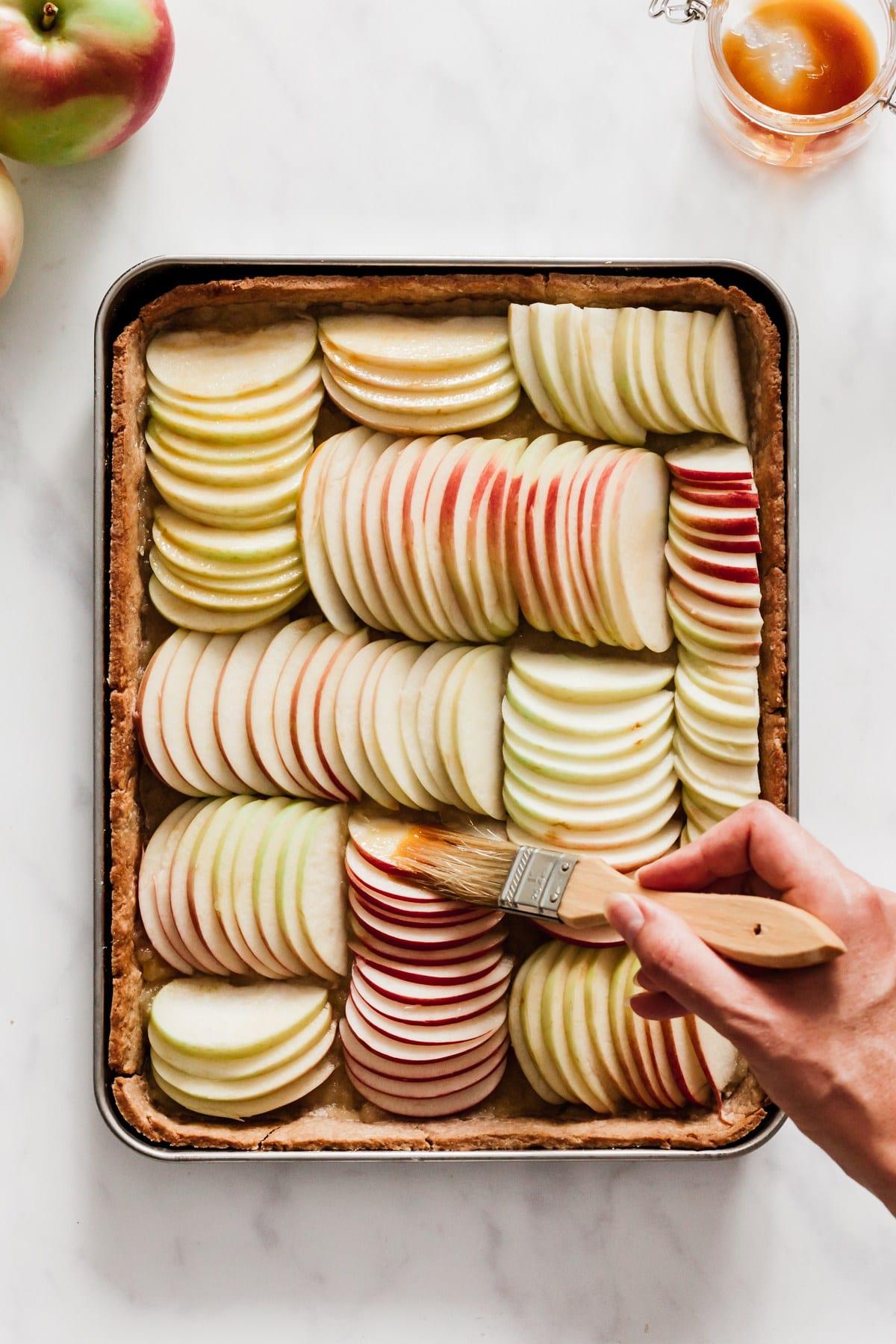 Apple Tart Recipe | Thanksgiving recipes via entertaining blog @cydconverse