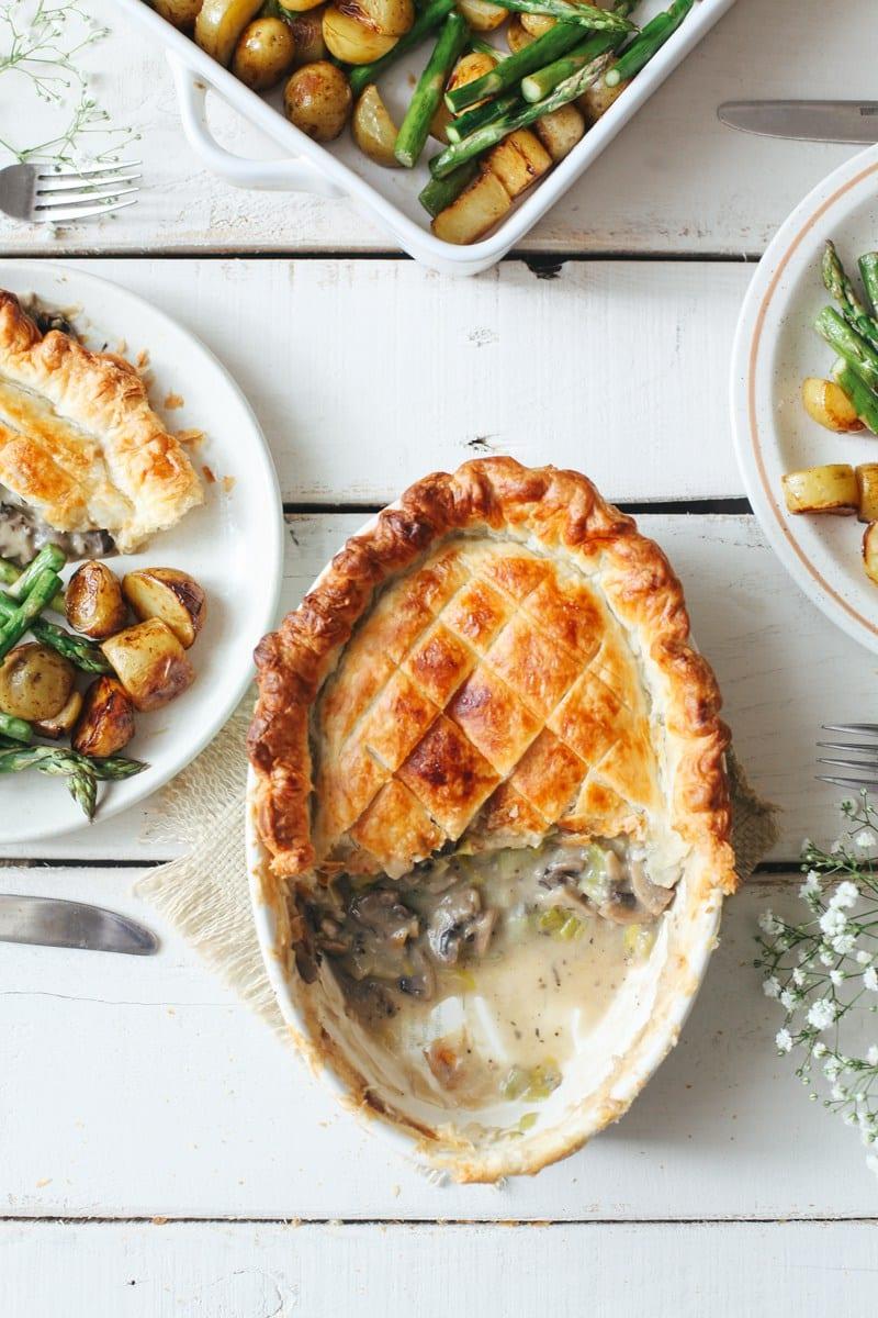 Creamy Leek and Mushroom Pie | Thanksgiving recipes via entertaining blog @cydconverse