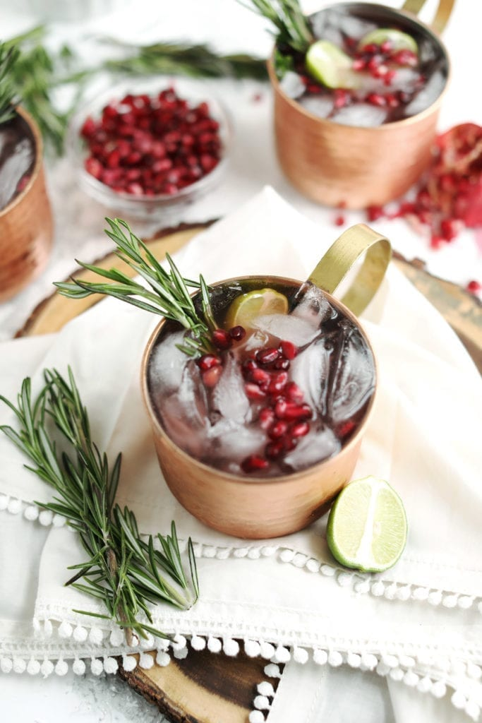 A Kris Kringle North Pole Moscow Mule | Christmas cocktails, Christmas recipes and Christmas party ideas from entertaining blog @cydconverse