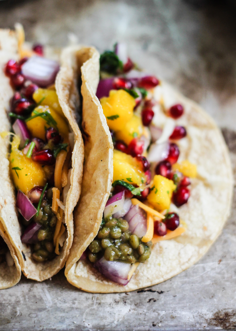 Lentil Tacos | Vegetarian tacos, veggie tacos and party recipes from entertaining blog @cydconverse