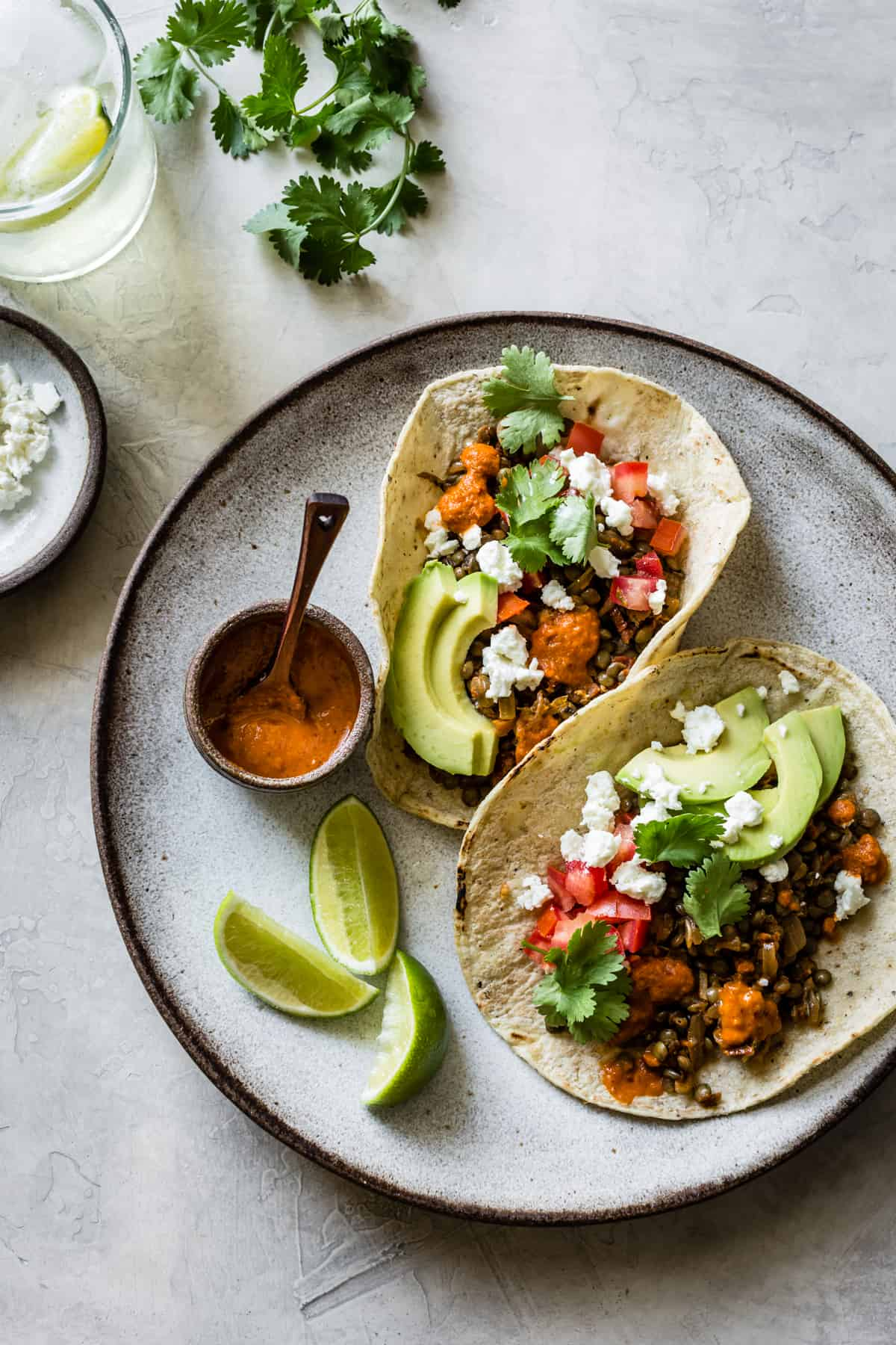 Smoky Lentil Tacos | Vegetarian tacos, veggie tacos and party recipes from entertaining blog @cydconverse