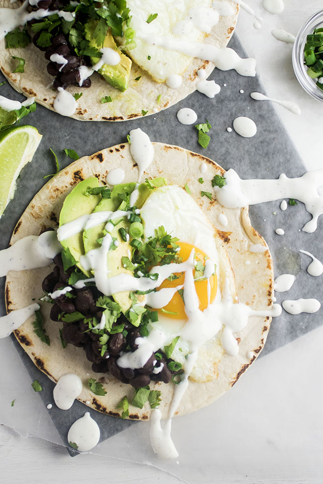 Egg Breakfast Tacos | Vegetarian tacos, veggie tacos and party recipes from entertaining blog @cydconverse