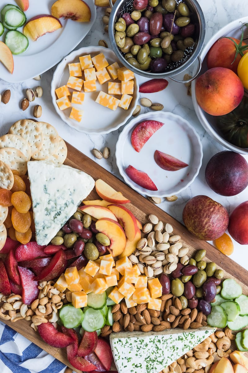 Easy Party Appetizers: Summer Harvest Cheese Board from @cydconverse