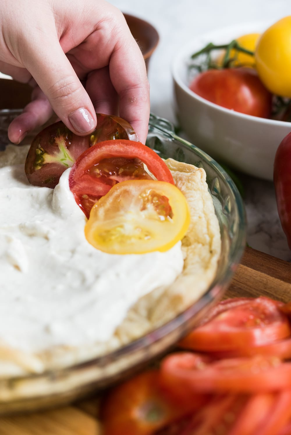 An Easy Tomato Tart: Entertaining ideas, summer party ideas, easy summer recipes from @cydconverse