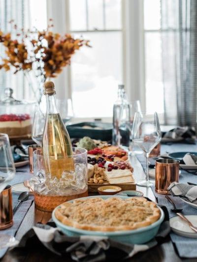 Simple + Elegant Thanksgiving Table Decor thumbnail