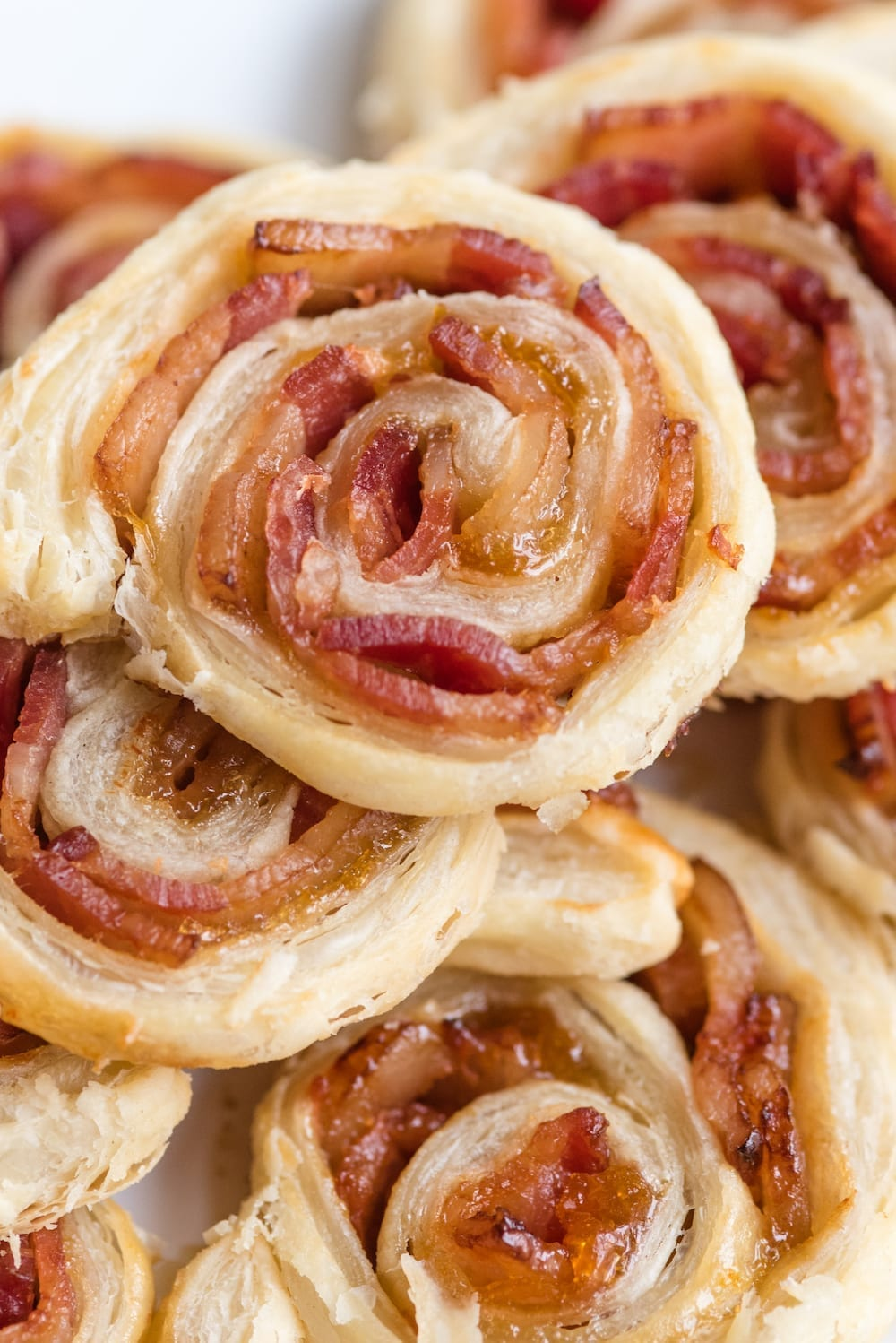 Easy Party Appetizers: Bacon and Jam Pinwheels Recipe