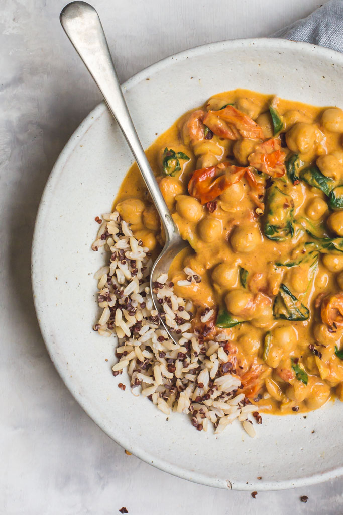 Easy Dinner Recipes: Chickpea Tomato Curry