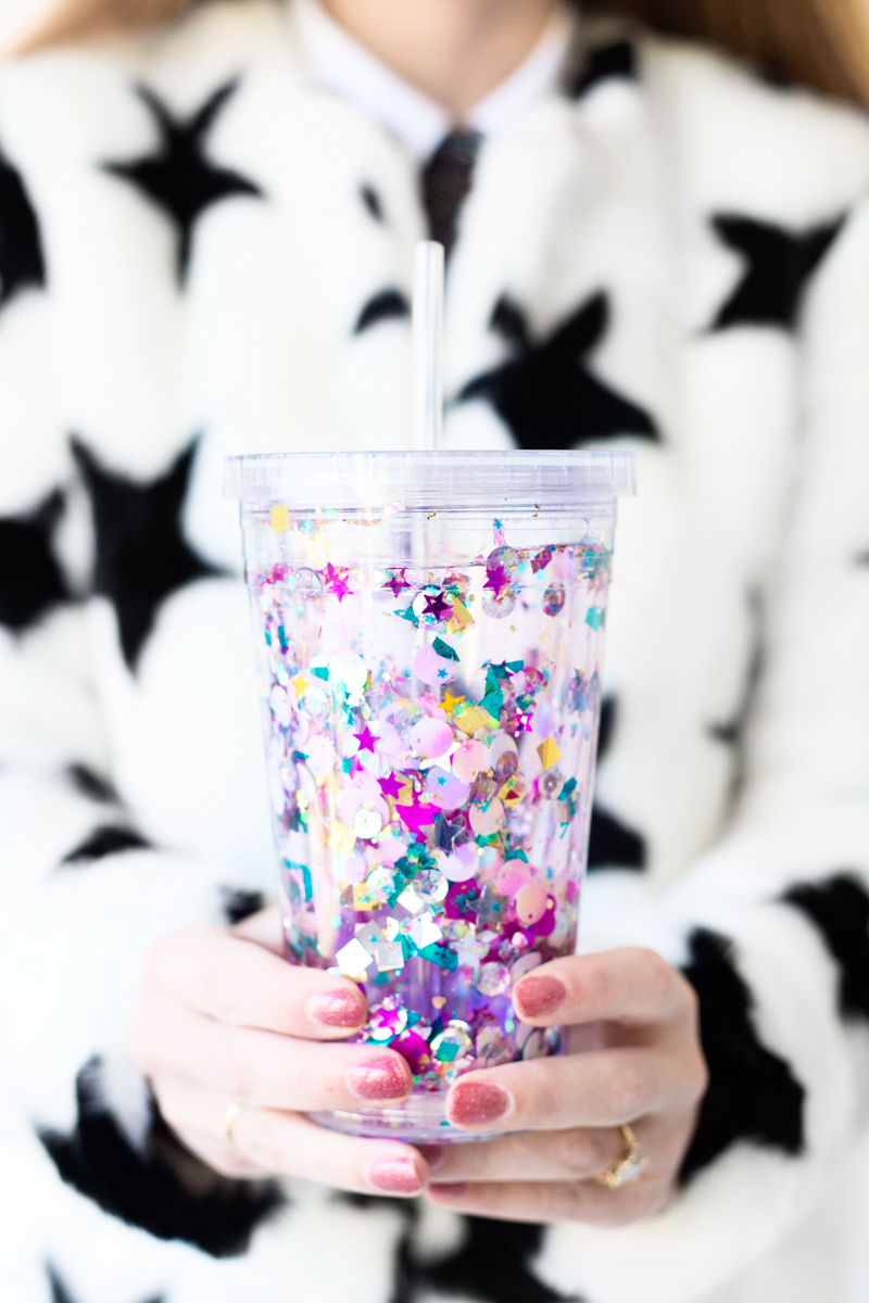 DIY Gifts for Mom: DIY Glitter Tumbler