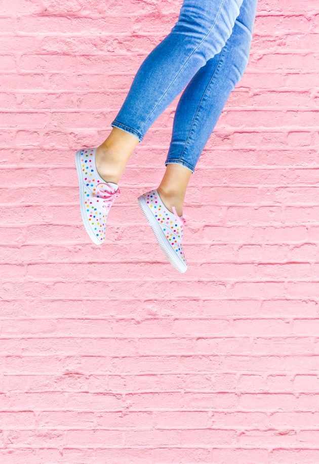 DIY Gifts for Mom: DIY Confetti Shoes