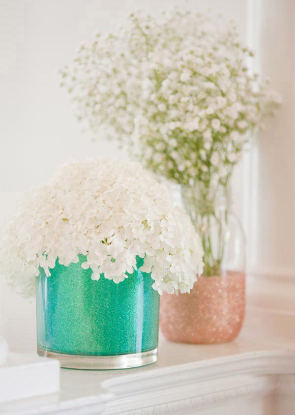 DIY Gifts for Mom: DIY Glitter Vase