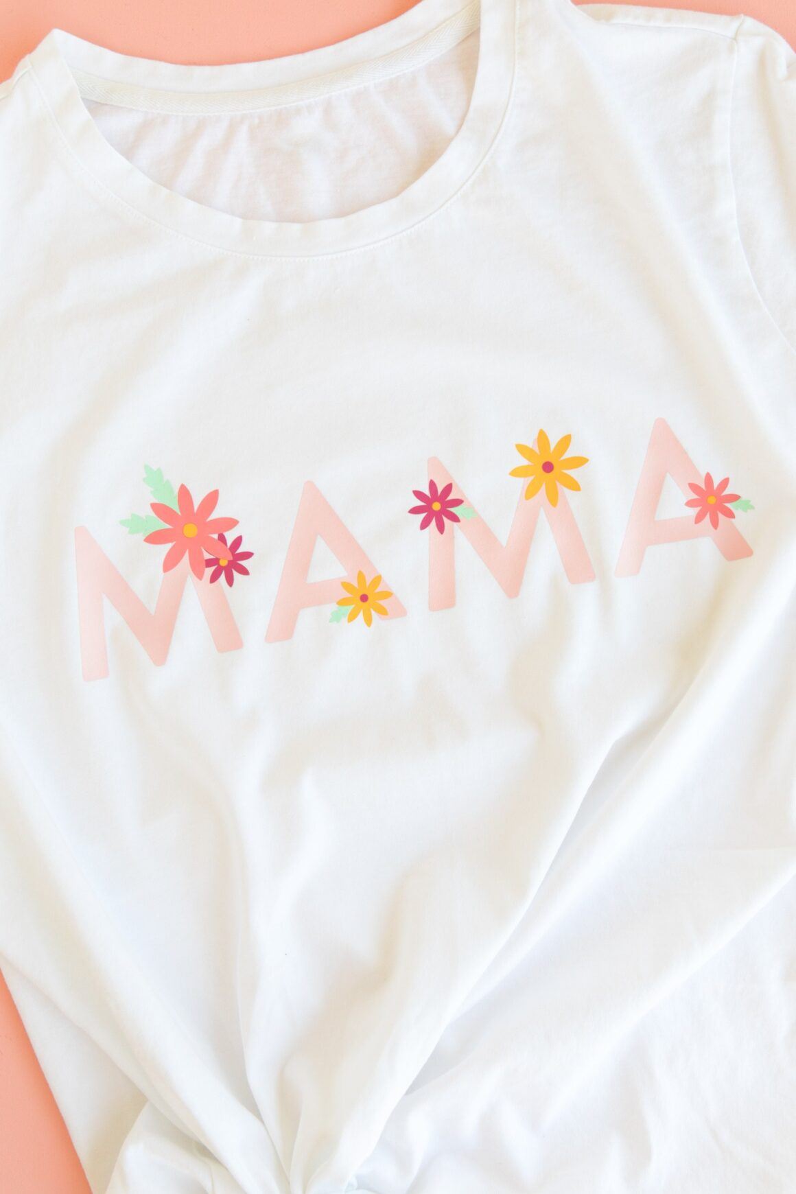 DIY Gifts for Mom: DIY Mama Shirt