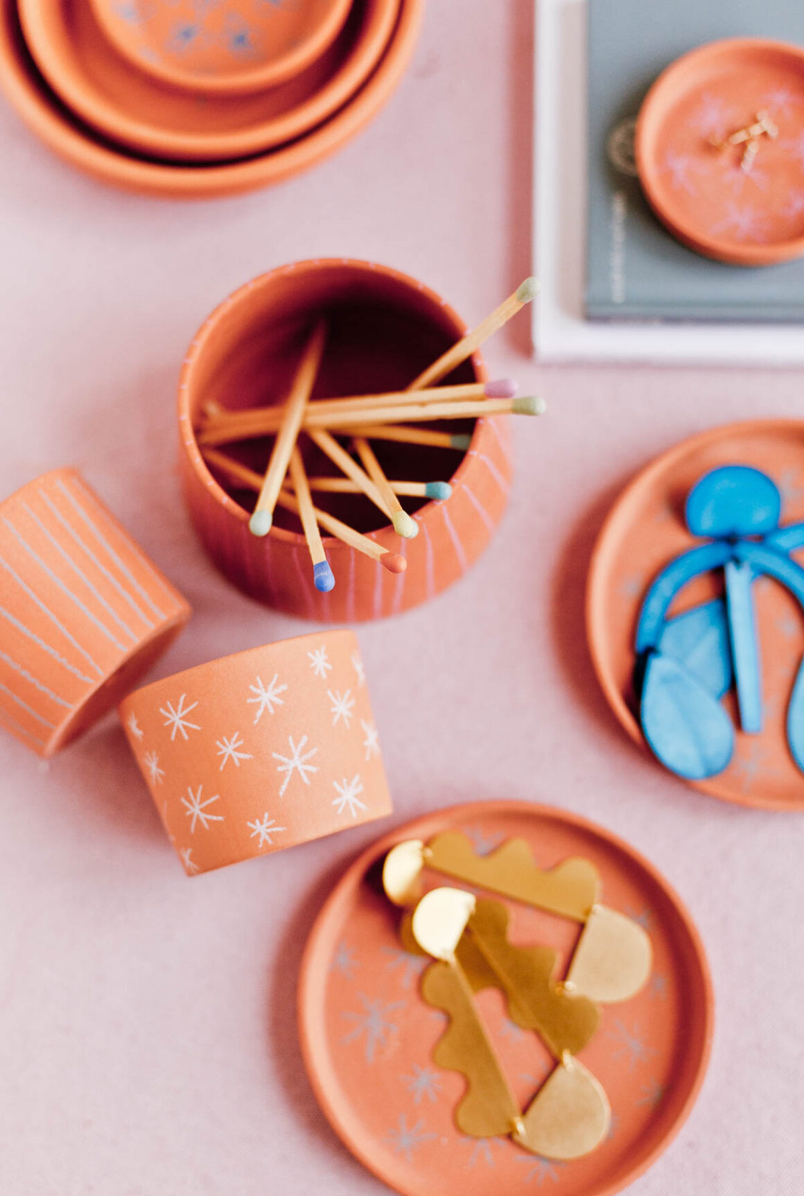 DIY Gifts for Mom: DIY Jewelry Dish