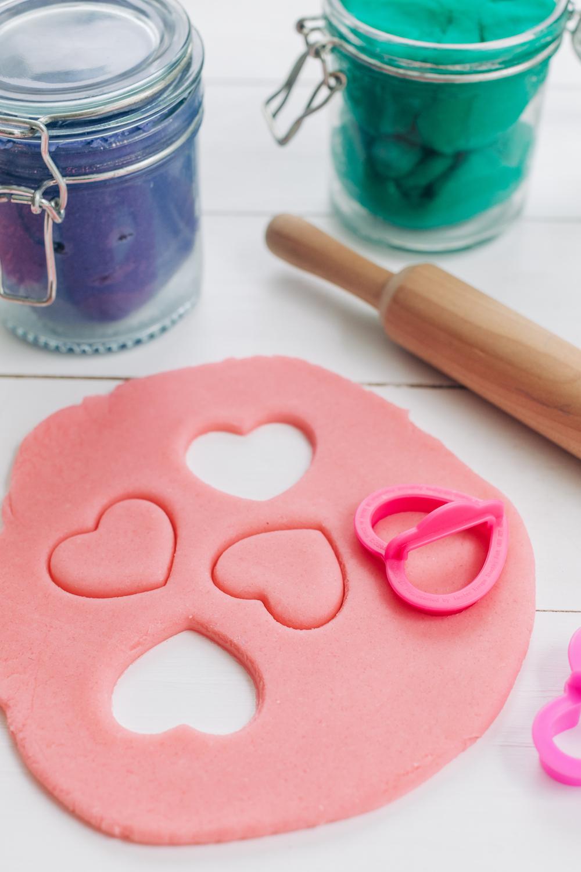 How to Make Easy Homemade Playdough